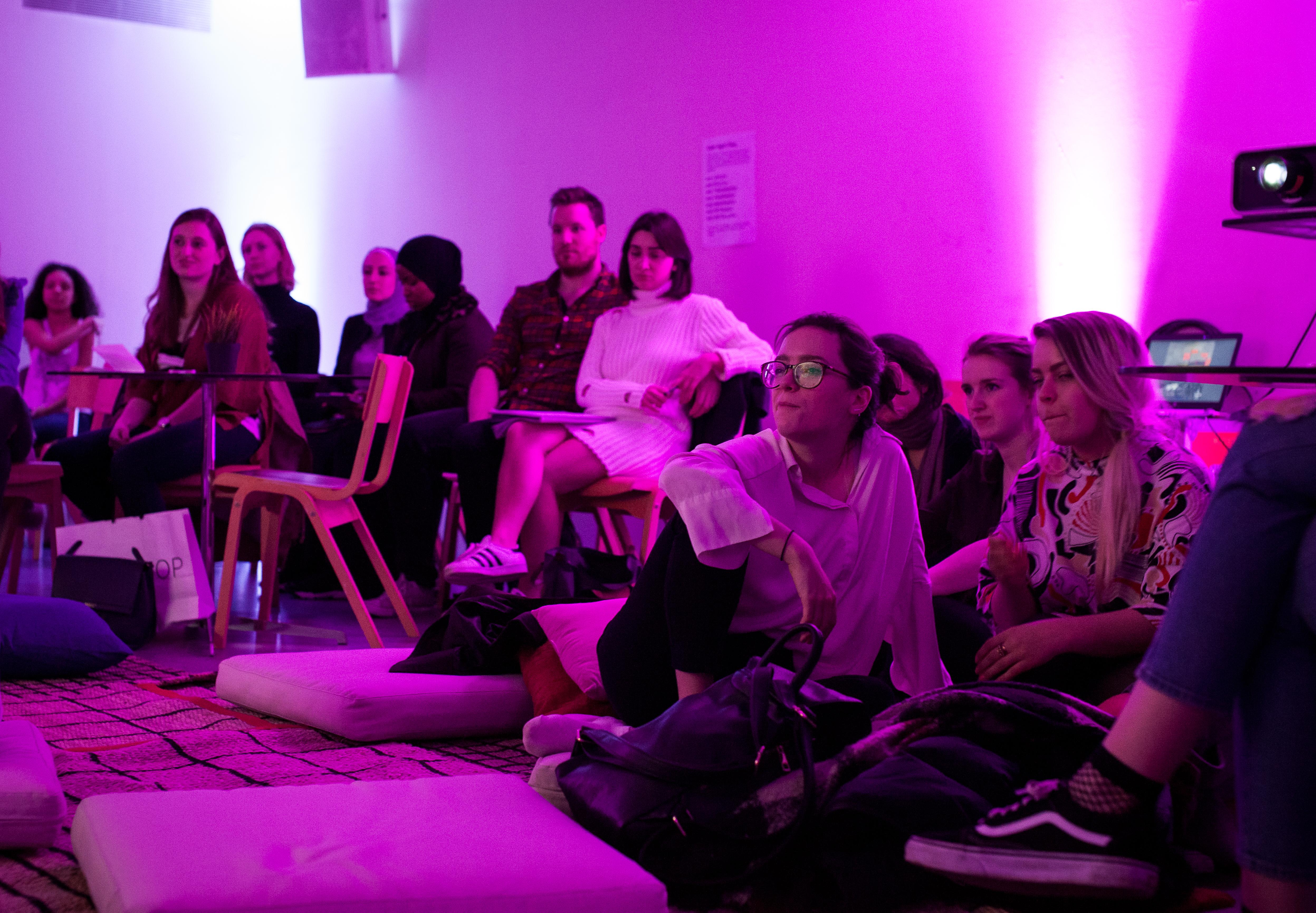 Violet Nights, audience